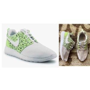 Nike Roshe One White/Neon Sneakers 6